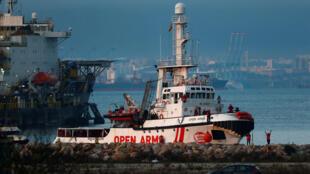 Navio Open Arms da ONG Proactiva chega ao porto de San Roque, no sul de Espanha.