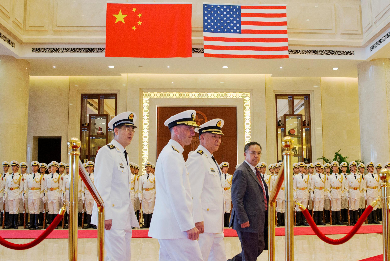 Đô đốc John Richardson trong chuyến viếng thăm Trung Quốc ngày 18/07/2016.