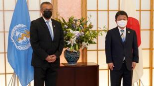 世界卫生组织总干事谭德赛与日本外务大臣茂木敏充资料图片