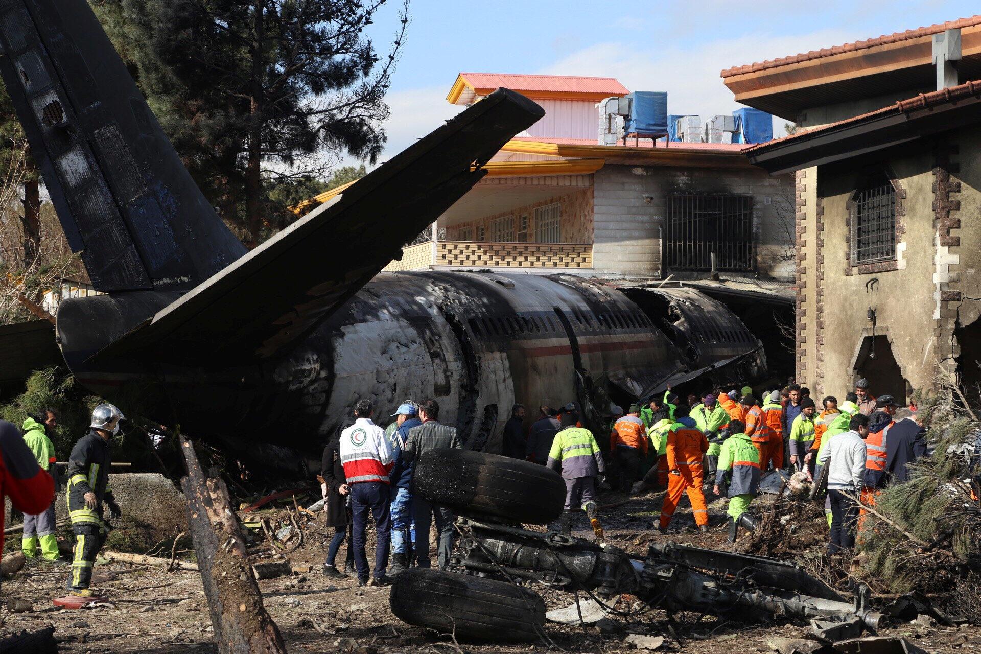Wani hatsarin jirgin sama kirar Boeing  daf da filin tashi dama saukar jiragen sama na Tehran a kasar Iran