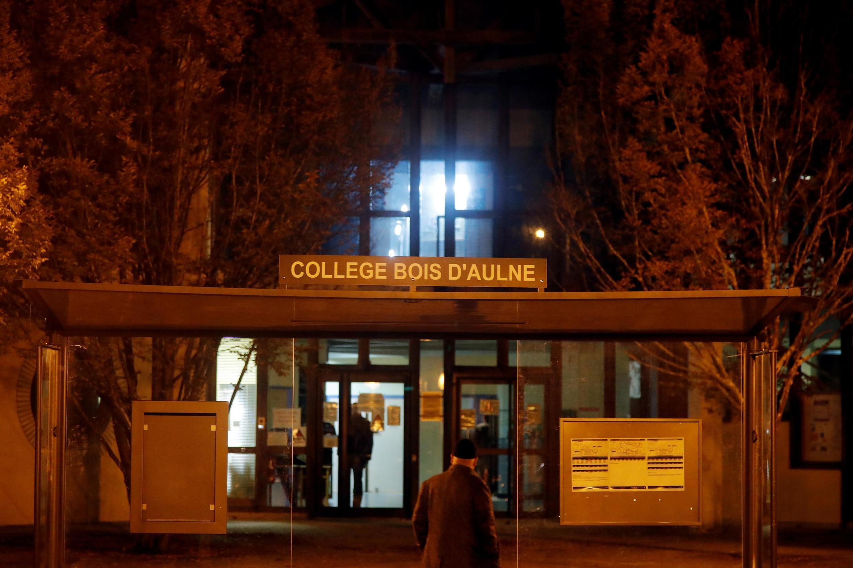 Убитый 47-летний Самюэль П. работал учителем истории и географии в колледже в парижском пригороде Конфлан-Сент-Онорин