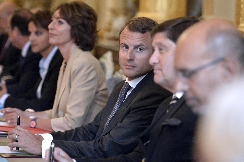 Lors de son premier Conseil des ministres, le 27 août, entre Marisol Touraine (Santé) et Patrick Kanner (Ville, Jeunesse et Sports).