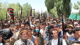 Manifestations contre les Talibans (Ghor governor office)