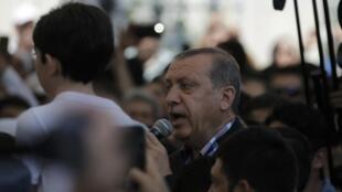 Recep Tayyip Erdogan em Istanbul a 17 de Julho numa cerimónia de homenagem às vítimas da tentativa abortada de golpe