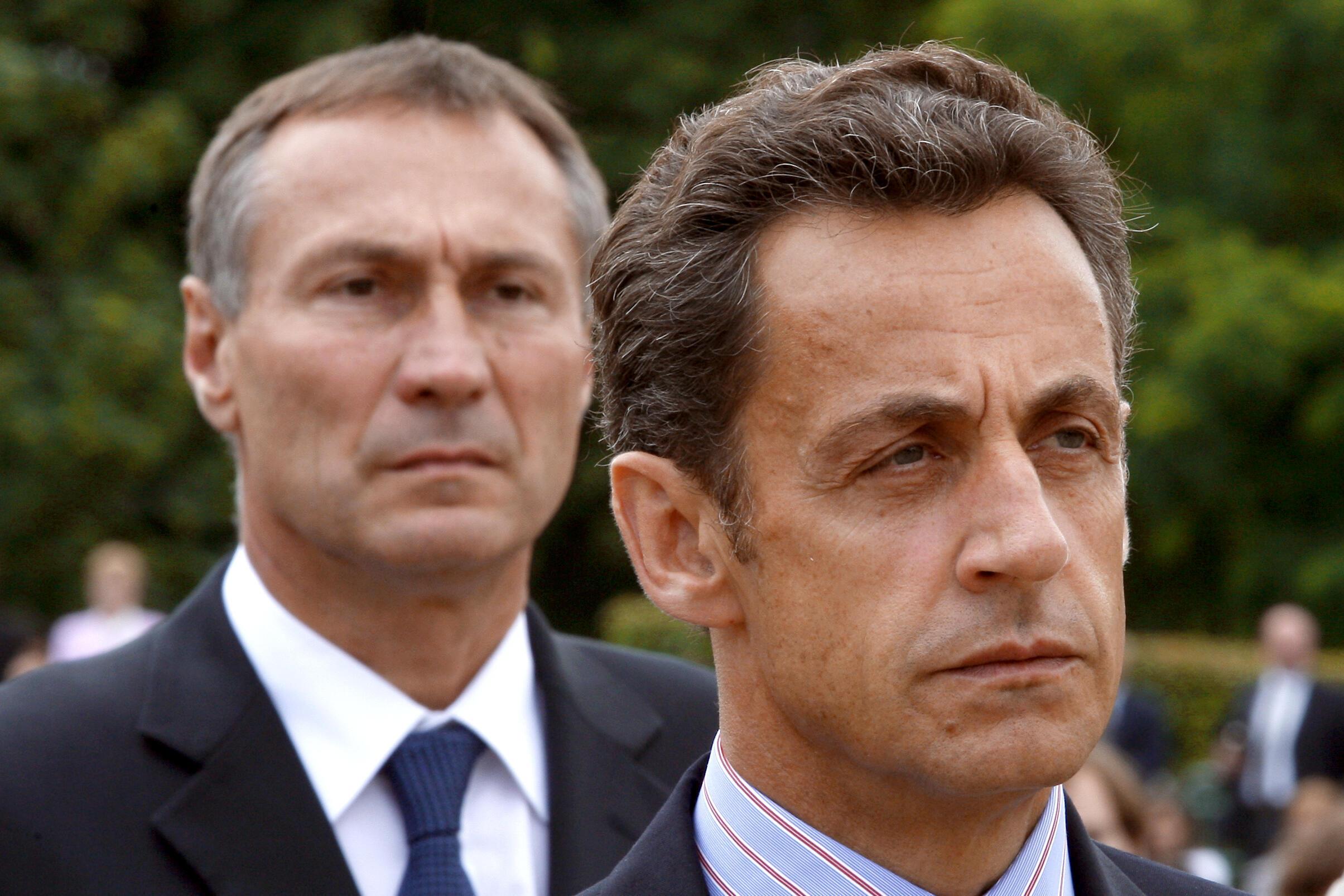 Jean-Marie Bockel et Nicolas Sarkozy en 2009. L'année précédente, le premier avait dû quitter son poste de ministre de la Coopération, à la demande du second.