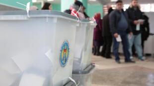 По результатам выборов 24 февраля 2019 года ни одна партия в Молдове не набирает большинства для формирования правительства