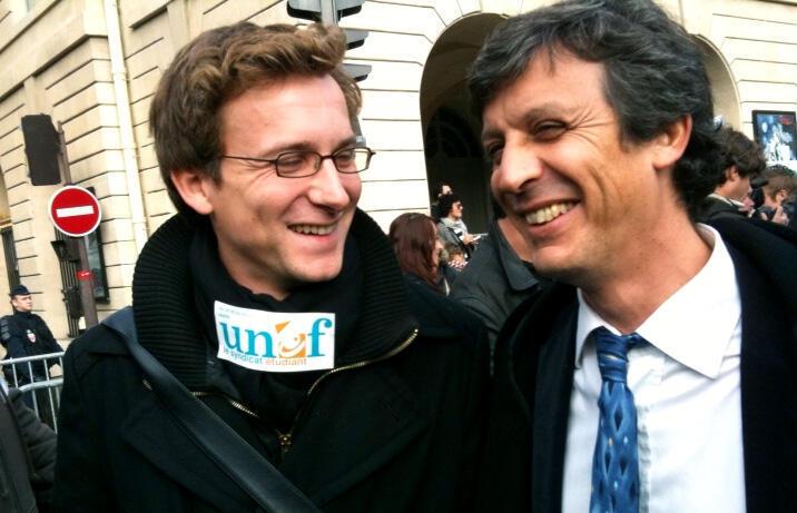 À esquerda, Jean-Baptiste Prévost, ex-presidente da UNEF, acusado pelas ex-associadas.