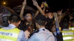 Les étudiants ont occupé Civic Square, situé juste devant le Conseil législatif, à Hong Kong, dans la nuit de vendredi à samedi. Malgré les assauts de la police, ils sont déterminés à obtenir une vraie démocratie.