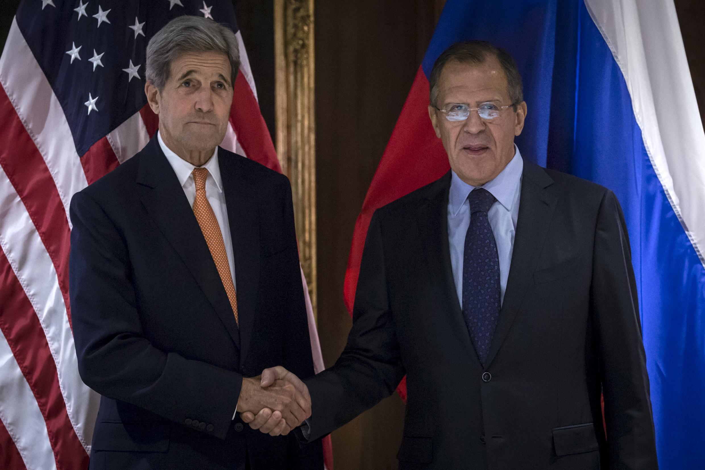Госсекретарь США Джон Керри и министр иностранных дел России Сергей Лавров, Вена, 23 октября 2015.