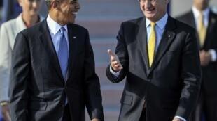 O presidente dos Estados Unidos, Barack Obama, chegou em Estocolmo, na Suécia e foi recebido pelo ministro das Relações Exteriores, Carl Bildt.