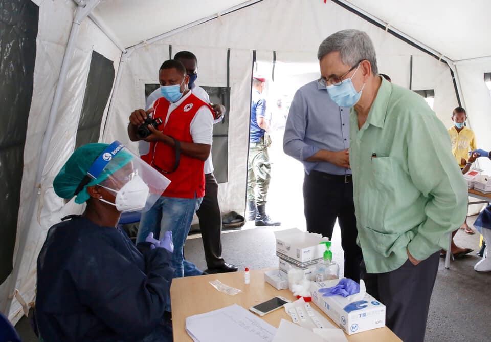 Presidente de Cabo Verde defende regras claras sobre coronavírus antes de abertura das escolas.