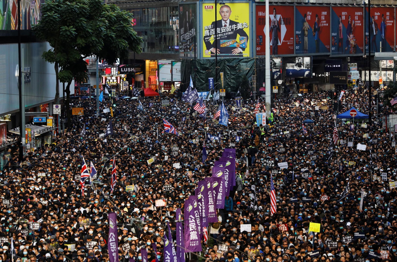 Mais uma manifestação do movimento pró-democracia de Hong Kong, que começou há 6 meses