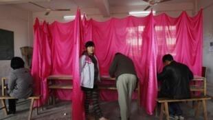 A Wukan les villageois votent ce samedi 11 février 2012.