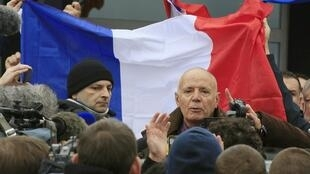 Retired French General Christian Piquemal makes an address during a PEGIDA-organized protest on 6 February, 2016.