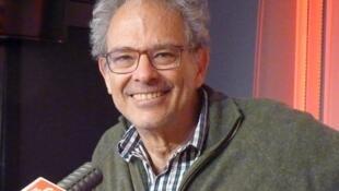 Sebastián Amigorena  en los estudios de RFI