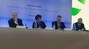 Comitiva brasileira em Paris deu uma coletiva de imprensa nesta terça-feira.