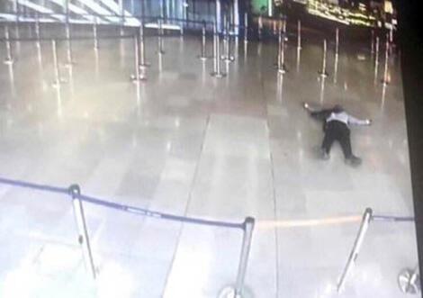 """Нападавший в аэропорту """"Орли"""" был застрелен сотрудниками правопорядка, 18 марта 2017 г."""