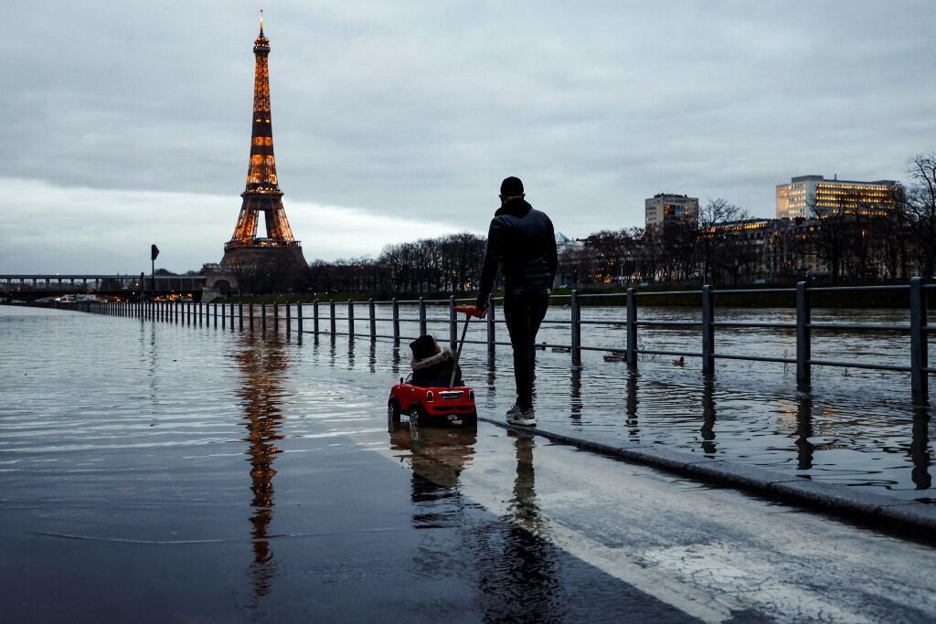 Seine floods