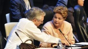 O ministro das Relações Exteriores, Luiz Alberto Figueiredo e a presidente Dilma Rousseff durante a abertura da cúpula da Celac (Comunidade de Estados Latino-americanos e Caribenhos).
