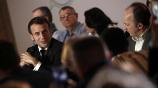 O presidente francês Emmanuel Macron em reunião com os 150 membros da Convenção Cidadã sobre o Clima, nesta sexta-feira, 10 de janeiro de 2020.