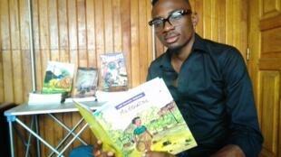 Kenneth, passionné de livres d'images.