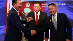 蒙古國三位總統候選人6月24日舉行電視辯論。