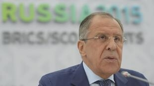 Pour, le ministre russe des Affaires étrangères Sergeï Lavrov, une alliance avec le régime de Bachar el-Assad est une nécessite pour combattre le groupe Etat islamique. Ici, à Oufa en Russie, le 9 juillet 2015.