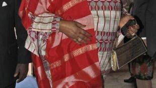 Malawi president Joyce Banda vowed to investigate Robert Chasowa's death through commissioners