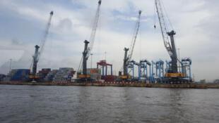 Terminal à containers d'Apapa géré par Bolloré Africa Logistics, l'un des deux terminaux de Lagos.