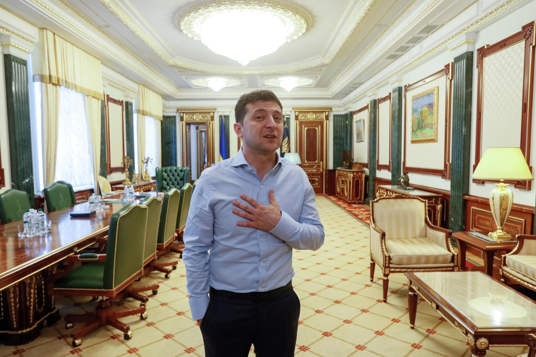 Владимир Зеленский в президентском кабинете 19 июня 2019
