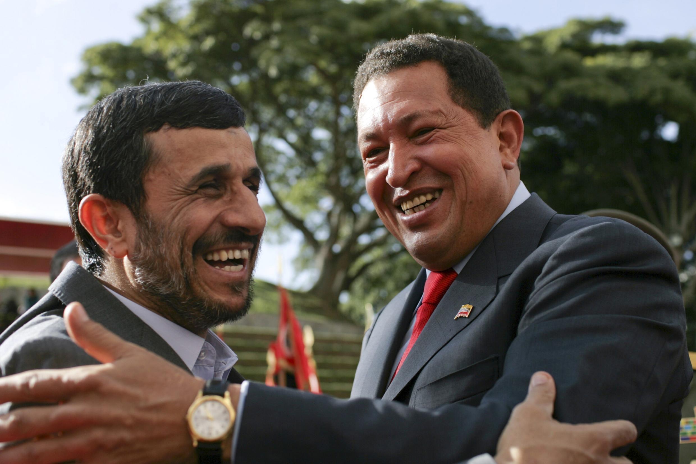 Mahmoud Ahmadinejad et Hugo Chavez en novembre 2009 à Caracas.