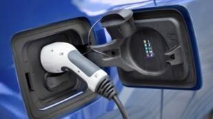Une batterie lithium-soufre permettrait une autonomie de 1000 km pour les voitures électriques, sans avoir besoin de passer par une borne de recharge.