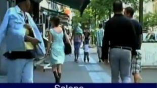 """Cena do do documentário """"Femmes de la Rue"""", de Sophie Peeters, em que homem trata mulher de """"salope"""" (vadia). ."""