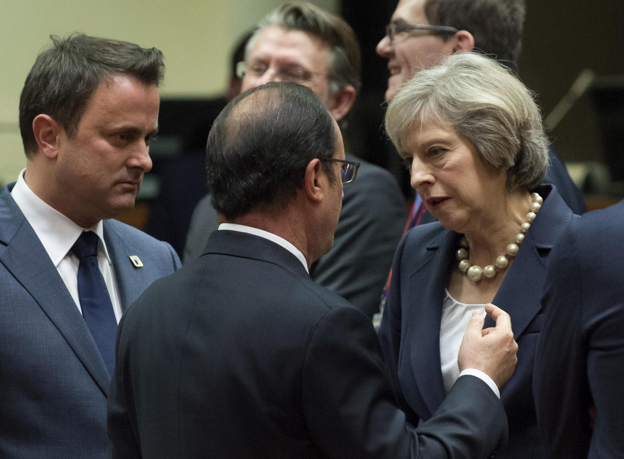 Лидеры Франции и Великобритании Франсуа Олланд и Тереза Мэй на саммите ЕС в Брюсселе. 20.10.2016