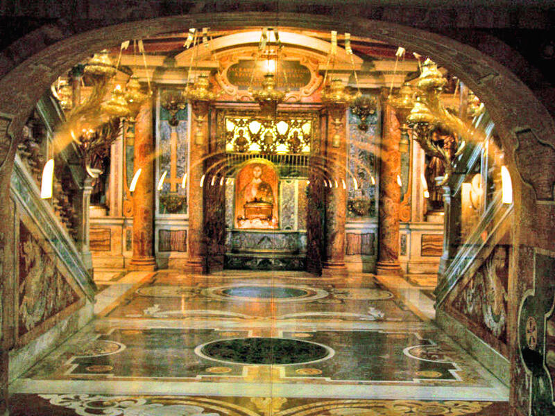 """Nhân """"Năm Đức Tin"""", hài cốt Thánh Phêrô sẽ được đưa ra khỏi hầm mộ đền Thánh (wikipedia.org)"""