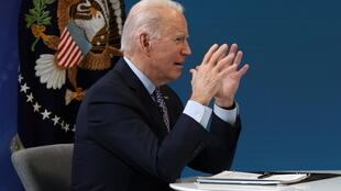 2021-02-25T220414Z_1413516693_RC2YZL95TDYG_RTRMADP_3_USA-BIDEN-GOVERNORS