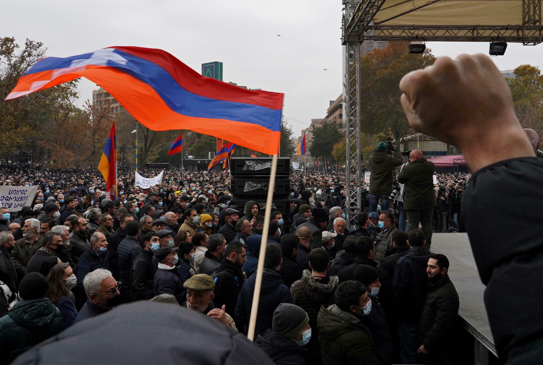 2020-12-05T144549Z_821428571_RC22HK9I7TXH_RTRMADP_3_ARMENIA-POLITICS-PROTESTS