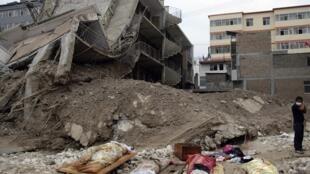 甘肅舟曲特大洪水泥石流災害3天後,死亡人數升至337人,失蹤1148人。