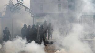 Manifestação em Nantes neste sábado teve confrontos entre polícia e manifestantes