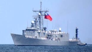 """台湾海军""""铭传""""号导弹巡防舰资料图片"""