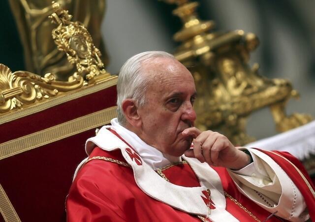 Đúc Giáo Hoàng Phanxico. Ảnh Chụp ngày 26/06/2013 tại thánh đường Thánh Phêrô.