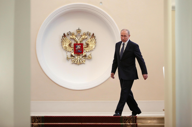 Ông Vladimir Putin bước vào điện Kremlin làm lễ tuyên thệ nhậm chức tổng thống nhiệm kỳ thứ 4 ngày 07/05/2018.