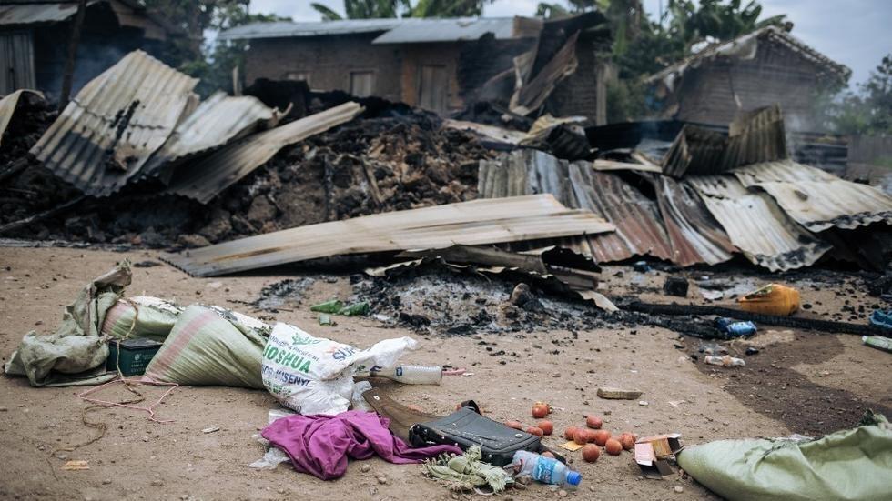 Le village de Manzalawu (Manzalaho) dans le territoire de Beni, le 18 février 2020, après le raid attribué aux rebelles ADF. Au moins 15 personnes ont été tuées dans ce village de 1000 habitants dont la population a fui.