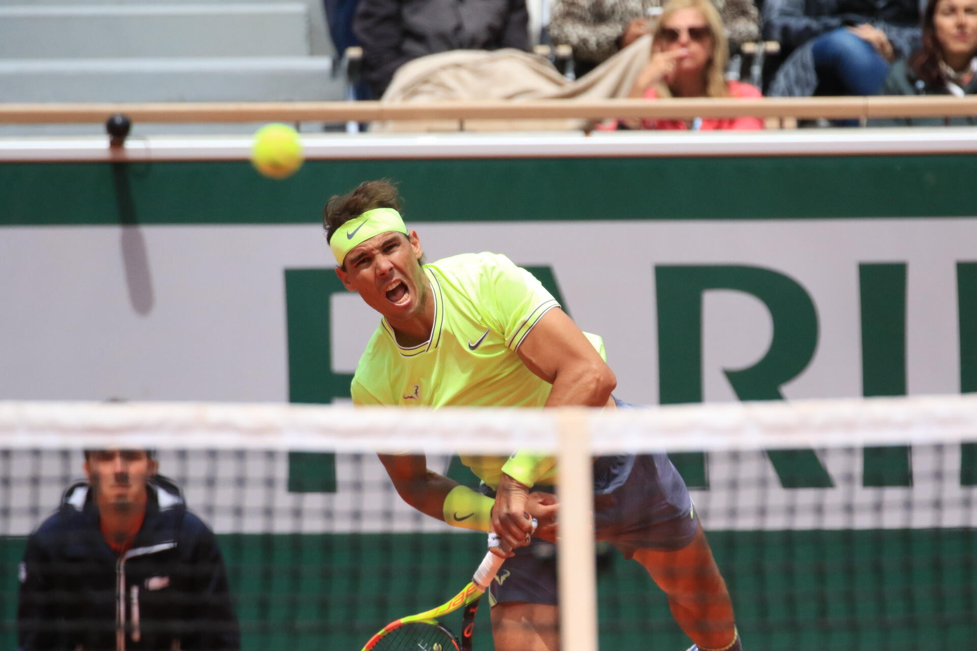 Rafael Nadal venceu Roger Federer pela sexta vez em Roland Garros.