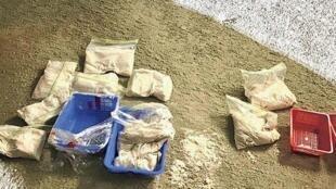 2019年12月10日,香港港島灣仔區一間中學護土牆的基底座下發現兩個遙控土製炸彈,內藏10公斤起爆性化學粉末和大量鐵釘。