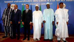 Rok Mark Kristian Kabore, Uld Abdel Aziz, Emmanuel Makron, Ibrahim Boubakar Keyta, Idriis Debi e Mahamadu Issufu, ñannde  2 / 7ɓuru 2017 to Bamako.