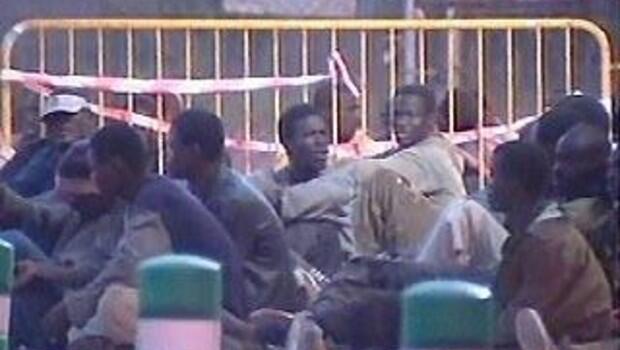 Попытка прорыва границы нелегалами мароккано-испанской границы в Мелилле