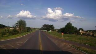 Trecho da rodovia BR 262 dentro do município de Luz, Minas Gerais.