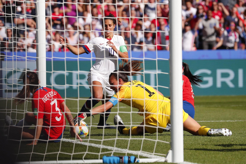 Estados Unidos ganaba a la seleccion de Chile 3-0 en el segundo partido de la fase de grupos del mundial femenino de futbol Francia 2019 , el 16 de Junio en el Parque de Los Principes de Paris.