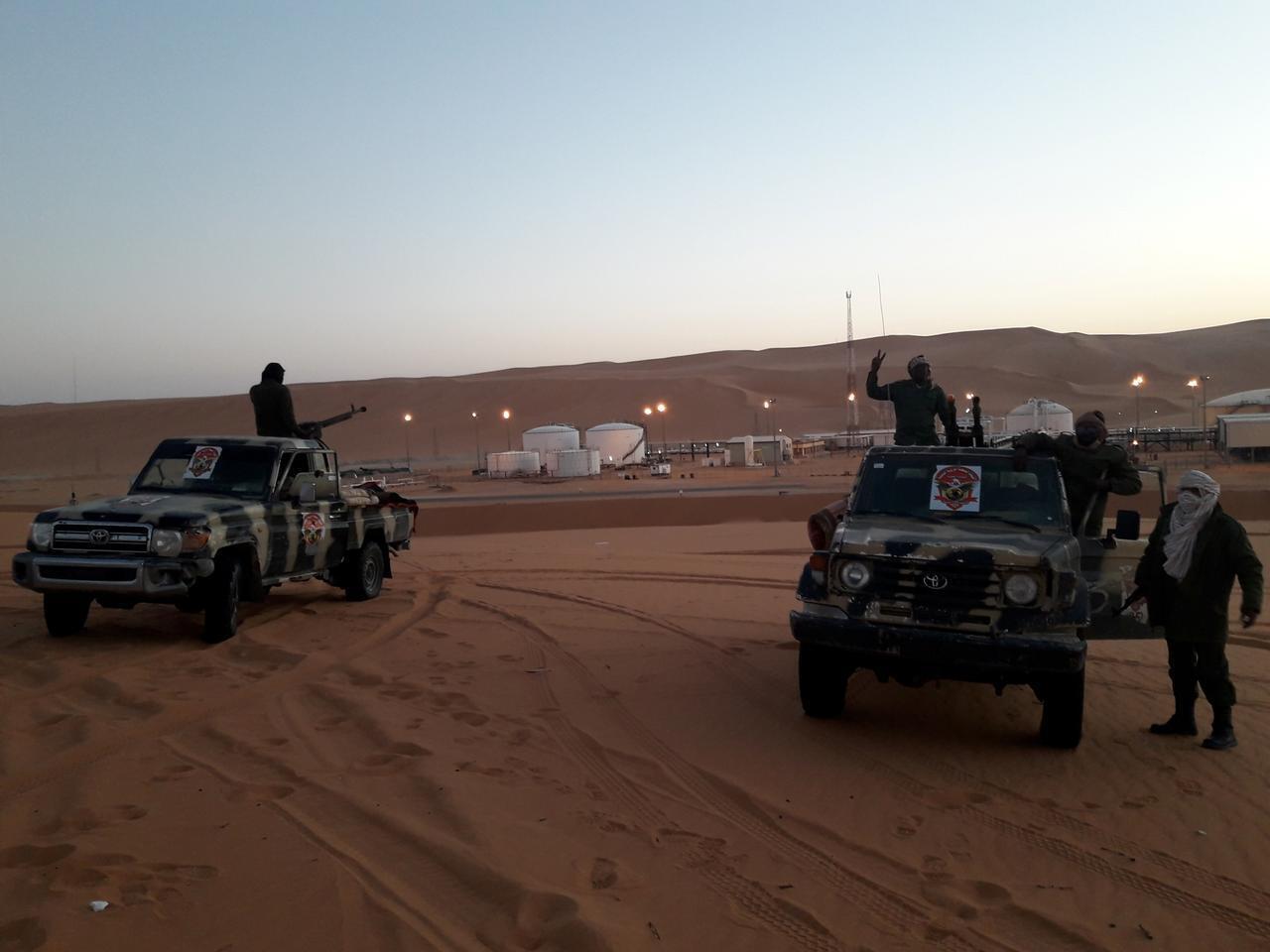 Vikosi vya LNA vinavyomtii Khalifa Haftar vikiwa karibu na Obari, kusini mwa Libya.